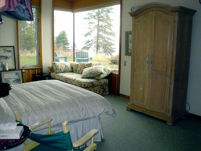 Master Bedroom's Lake View