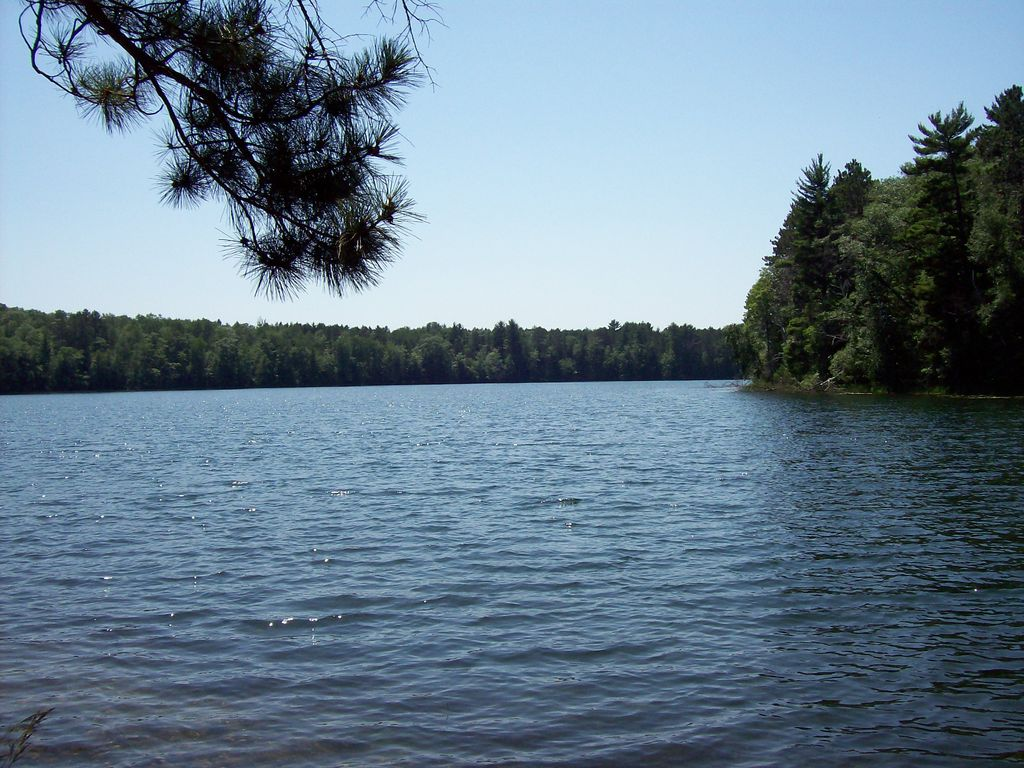Private clear lake 5 minutes from rhinelander swimming for Clear lake ca fishing