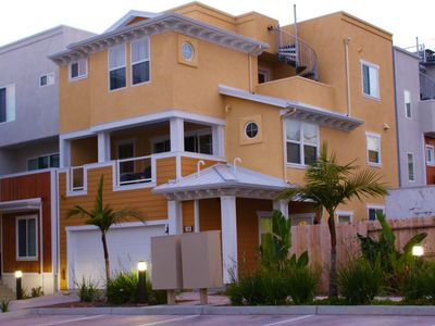 **New-Beach View Luxury Property In Downtown Pismo - Walk To Everything !