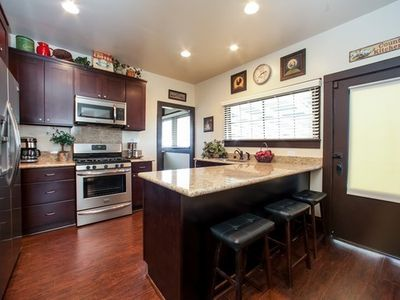 Anaheim house rental - Custom Kitchen with Stainless Steele Appliances