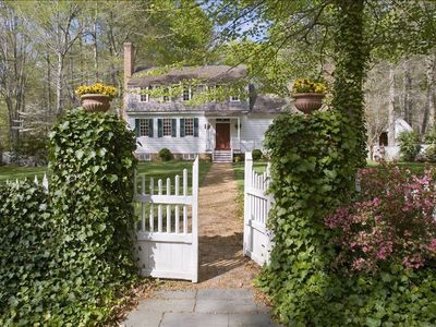 Eighteenth-Century Plantation House In Private 100-Acre Woodland