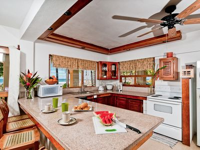 Villa Olivia, Oceanfront Kitchen