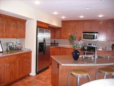 Gourmet Kitchen with dinette area views to the ocean..