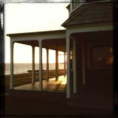 Old Saybrook cottage photo - Front porch on winter afternoon.