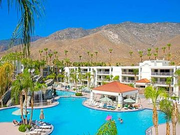 Exterior of Palm Canyon Resort and Spa at the Palm Canyon Resort