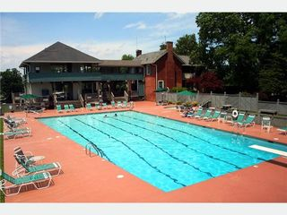 Moneta condo photo - Large Pool/Clubhouse