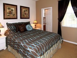 Windwood Bay villa photo - Master suite downstairs has 40 inch flat screen TV