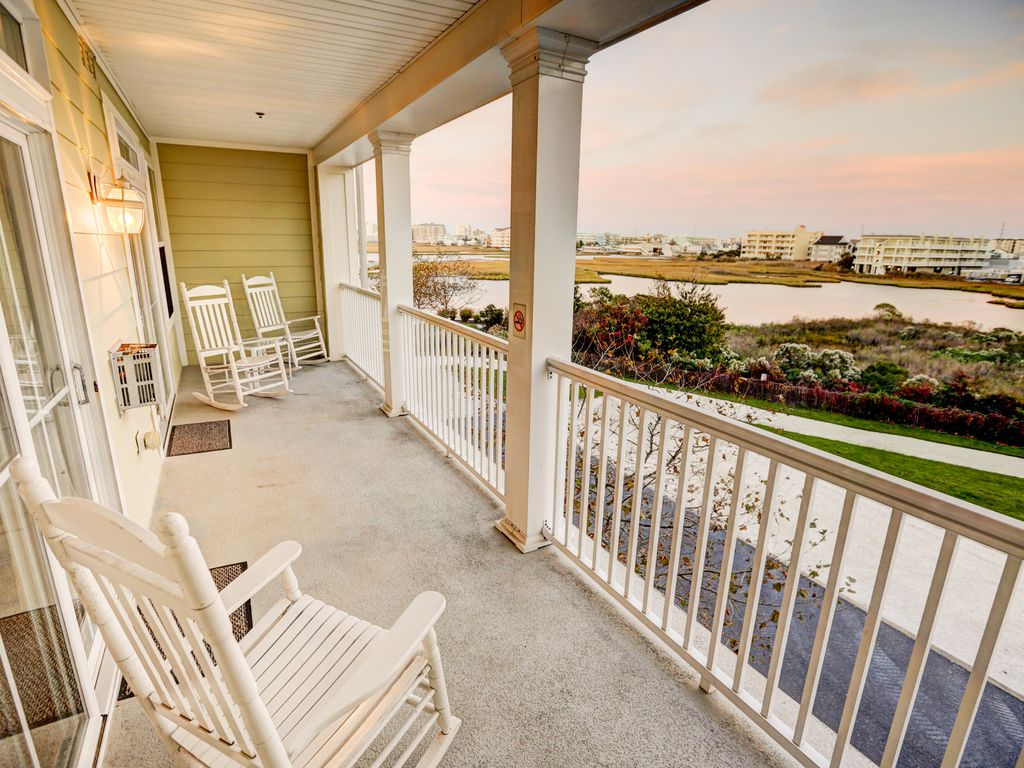 Now booking for summer 2017 sunset island vrbo for Balcony booking