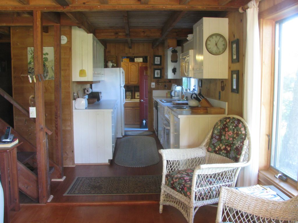 Charming Rustic Cottage VRBO