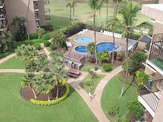 Kihei condo photo - Rooftop view of pool and BBQ area