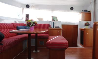 Key West yacht rental - Salon with dining table