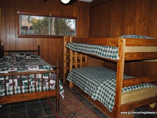 Guntersville Lake house photo - Bunk Room - 5 beds