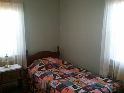 The Twin Room - Bed B