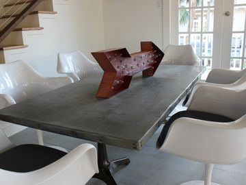 Fairgrounds house rental - Modern Dining Table for six
