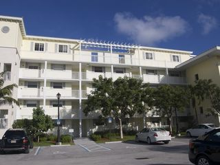 Deerfield Beach condo photo - View of the Building from the Parking Lot