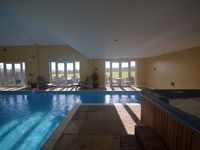 Luxury barn with heated indoor pool and hot tub close to Durham City