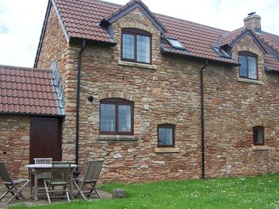 Idyllic relaxing Country Cottage, Dog friendly Free use of Swimming Pool and Gym