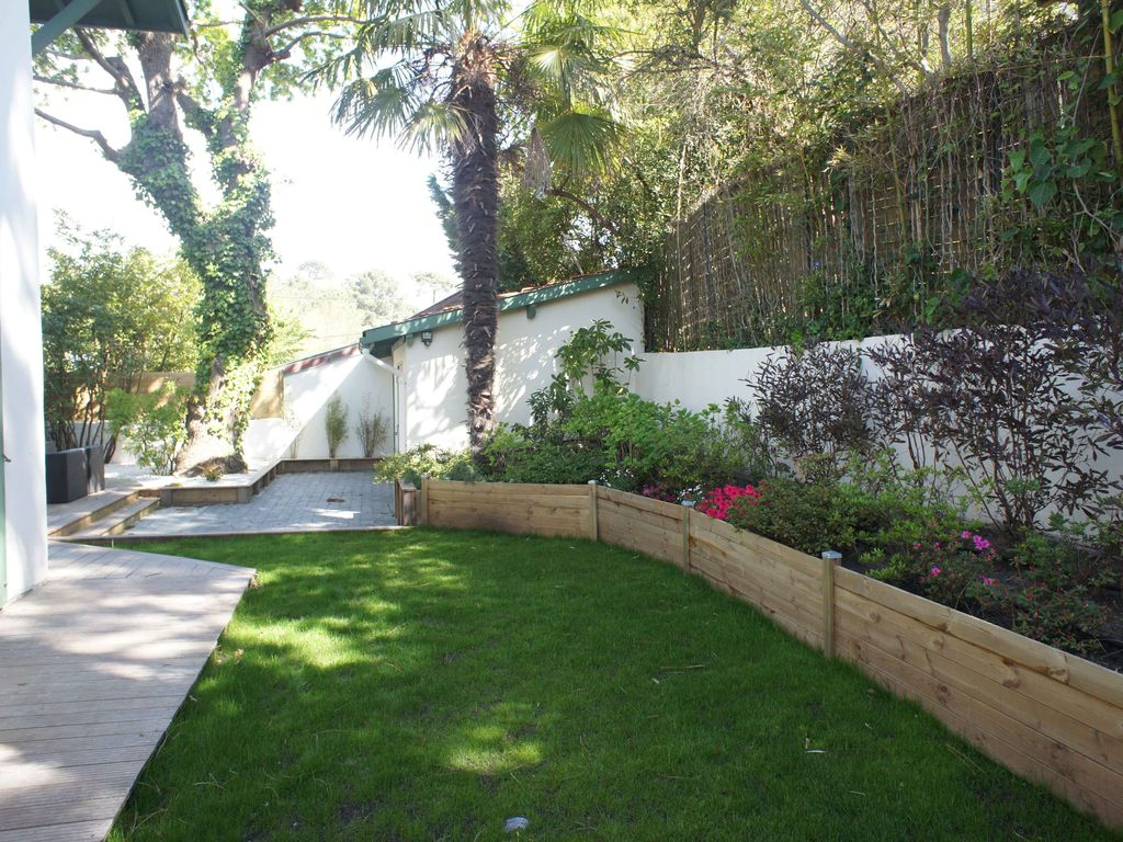 Authentic arcachonnaise 1000m2 garden terrace vrbo for 1 garden terrace