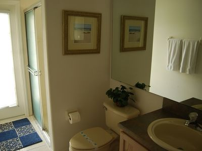Orange Tree bungalow rental - one of the 3 bathrooms