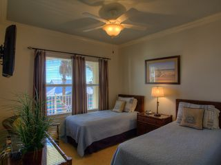 Bradenton Beach condo photo - Guest Bedroom with 2 Twin Beds that can convert to a King Size Bed