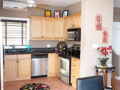 Northside townhome rental - Gourmet Kitchen with Stainless Steel Appliances