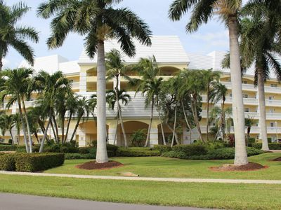 LOCATION,LOCATION: Spacious Renovated Water Vw Condo/2 Blks from Marco S.Bch Ent