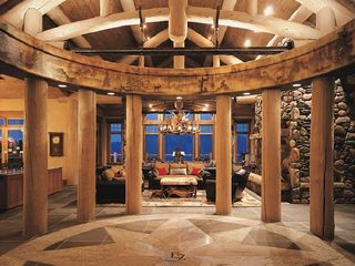 Big Sky lodge photo - Circle of Life Entranceway