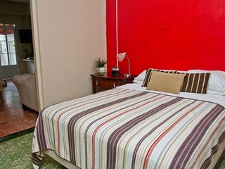Ocean Park apartment photo - The queen bed and bedroom - Air conditioning and ceiling fans are standard