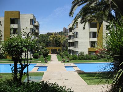 Department Playa Reñaca 2 large pools, family-friendly landscaping