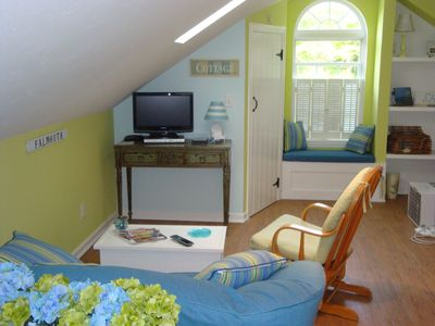 Falmouth studio rental - Living room area with flat screen.
