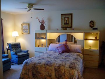 Alpine house rental - Master bed room with a Queen size bed . Nice sitting area for two on your left,
