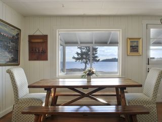 Clark Island cottage photo - Dining table