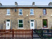 FOOTWAY COTTAGE, pet friendly, with a garden in Stanhope, Ref 14840