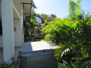 Nosara villa photo - Jacuzzi and studio apartment next to the house.