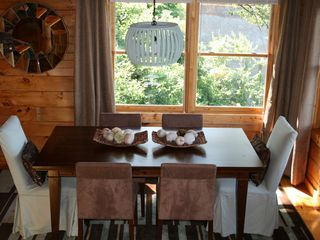 Pigeon Forge cabin photo - Comfortable stylish dining also has a great view of the Smokies!
