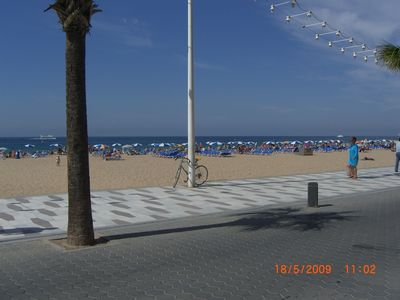 benidorm beach clean safe & massive