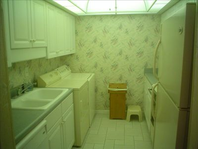 Kitchen Area with Full Size Washer & Dryer