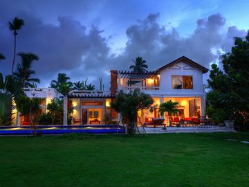 Las Terrenas house rental - Ocean side view of the house