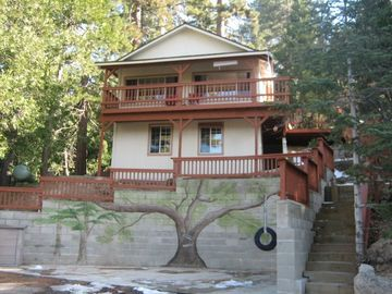 Crestline cabin rental - Serenity Nest secluded yet near Lake Gregory with the bird's eye view on things!