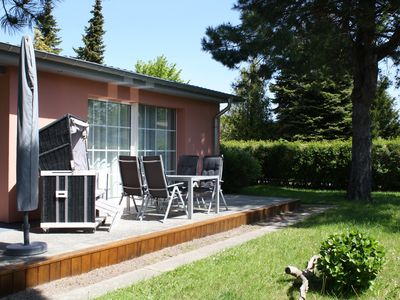 Close to the beach house for 2 to 4 people on a large lot, quiet location.