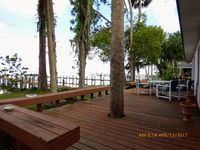 Spacious Waterfront Studio/1 Bedroom with Full Kitchen