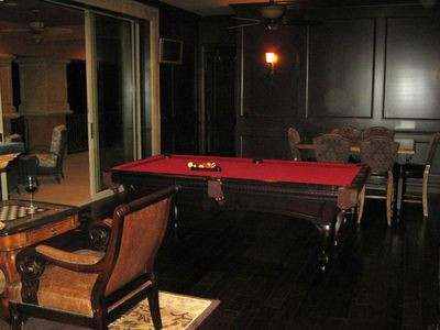 billiard and chess room