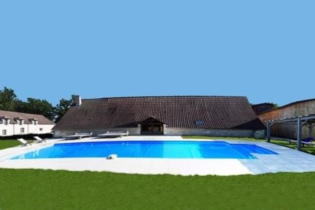 maisons de charme centre monthou cher piscine privative