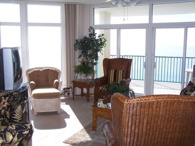 Spacious Dining and Living Room Area with Beautiful Gulf Views