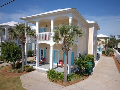 Huge newly updated luxury home + 2-story guest house mere steps from the beach.