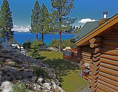 Luxurious log cabin lodge overlooking lake tahoe vacation for Cabin rentals in nevada