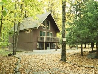 Beautiful corner lot - Locust Lake chalet vacation rental photo