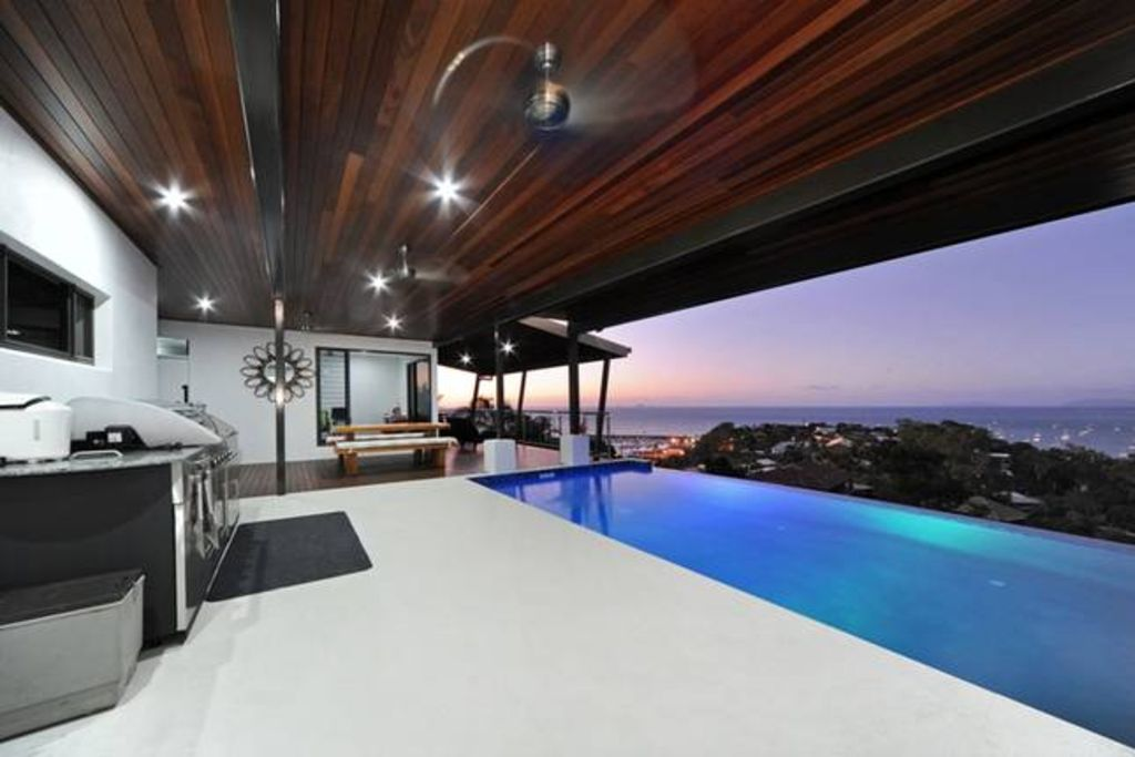AWESOME HOUSE WITH MILLION DOLLAR VIEWS