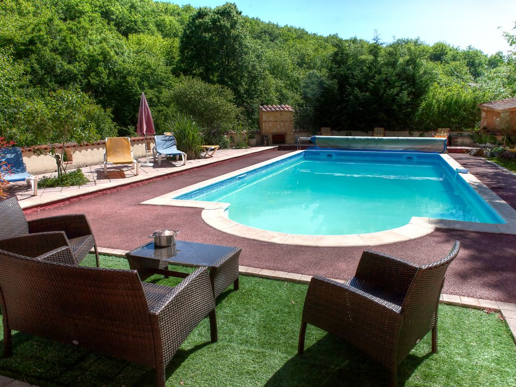 Villa tamaris large villa high standing heated for Allied gardens swimming pool