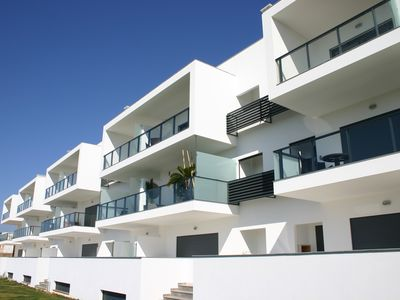 Brand new, luxurious 2 bed apartment (sleeps 6) in the heart of Alvor